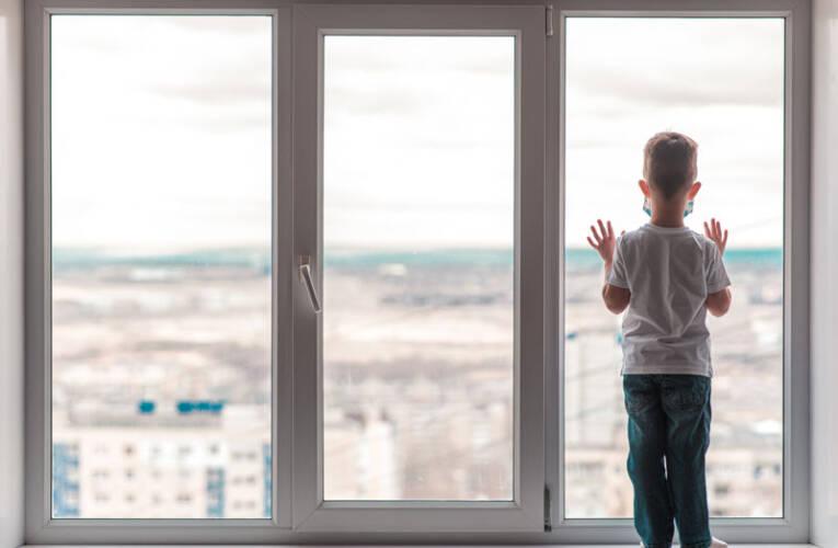 Zabezpieczenia dla dzieci w domu, w co zainwestować?